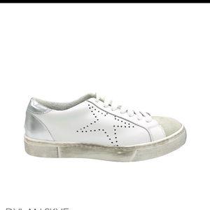 Dylan Skye sneakers